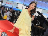 2012-china-beijing-auto-show-girls-1