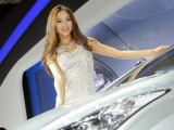 2012-china-beijing-auto-show-girls-2