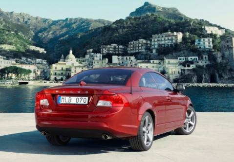 2010 Volvo C70 Review and Images