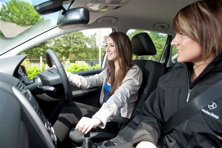 Driving Tuition Tips – How To Combat Early Day Nerves