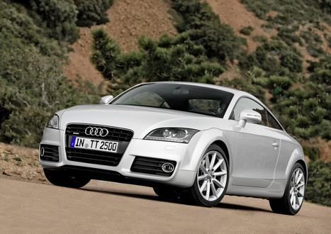 Audi Tt 2011 White. 2011 Audi TT Coupe and