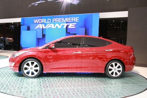2011-Hyundai-Avante-4.jpg