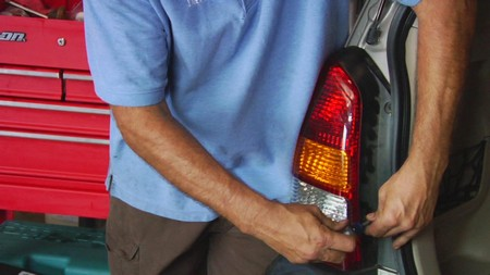 how to fix a broken tail light with tape