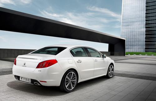 2011-Peugeot-508-2.jpg