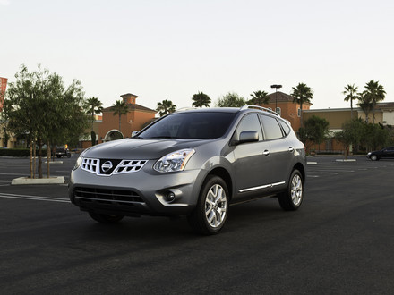 2011 Nissan Rogue Images