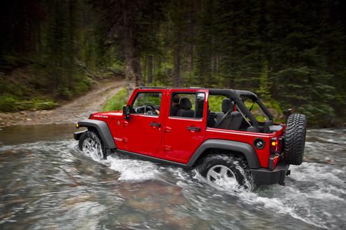 الجيب ومعنى كلمة J8 Jeep - صفحة 2 2011-Jeep-Wrangler-4
