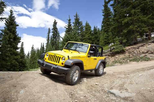 الجيب ومعنى كلمة J8 Jeep - صفحة 2 2011-Jeep-Wrangler-7
