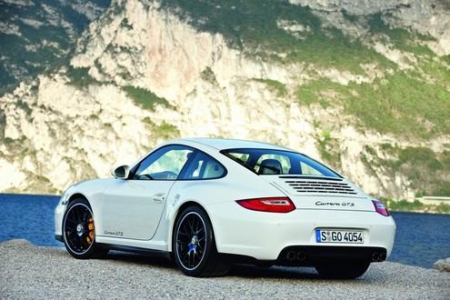 Porsche 911 Carrera GTS Unveiled Porsche 911 Carrera GTS 3