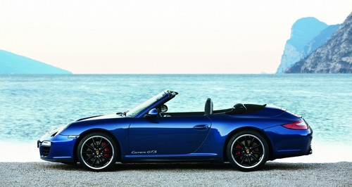 Porsche 911 Carrera GTS Unveiled Porsche 911 Carrera GTS 4