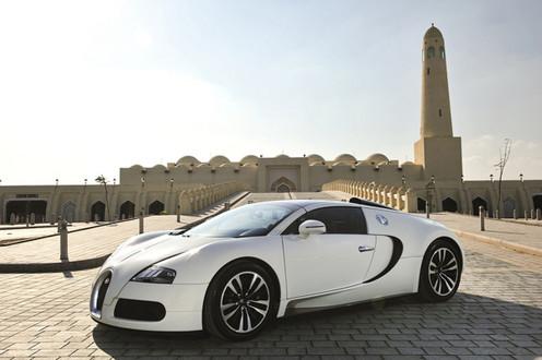 bugatti at qatar motor show. Black Bedroom Furniture Sets. Home Design Ideas