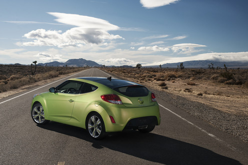 Official: Hyundai Veloster Coupe hyundai veloster 4