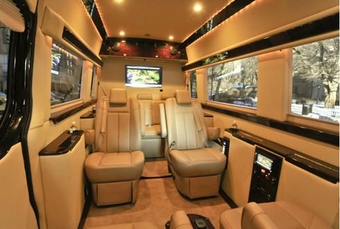 Mercedes Sprinter Van. Mercedes Sprinter Van