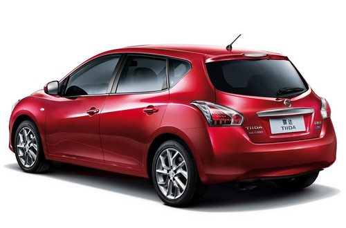Nyias 2012 Nissan Versa Offers 33 Mpg For 10 990 Live