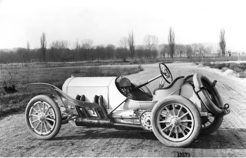 Daimler Motoren Gesellschaft at History of Mercedes