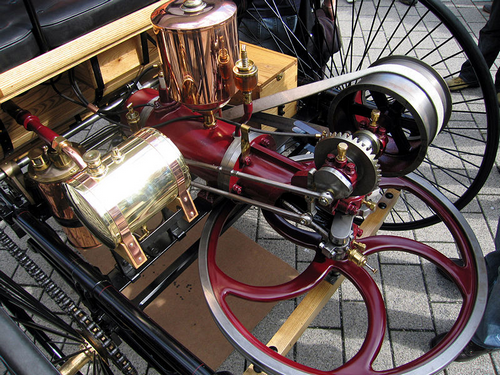 First Internal Combustion Engine at History of Mercedes