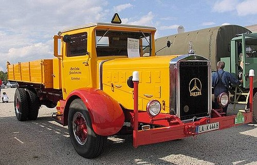 Mercedes L6500 Truck at History of Mercedes