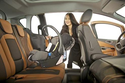 ford b max unveiled in uk. Black Bedroom Furniture Sets. Home Design Ideas