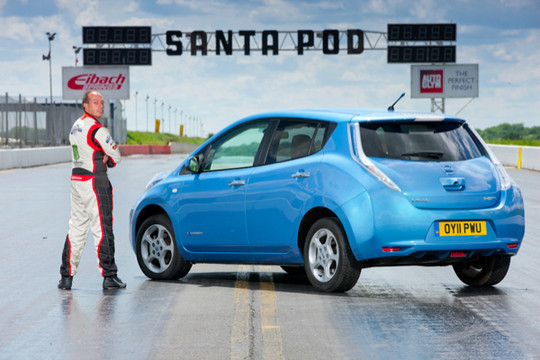 Nissan LEAF to in reverse 2 at Nissan LEAF To Set World Speed Record In Reverse