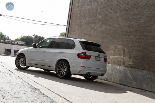 X5M Modulare Wheels 6 2011 BMW X5M with 22 inch Modulare Wheels