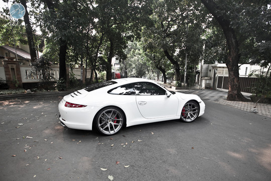 Porsche 991 Carrera S with Modulare Wheels