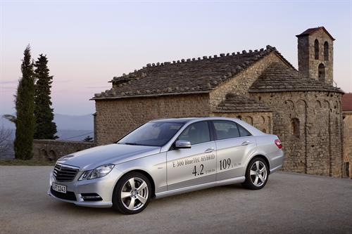 Mercedes E300 Hybrid UK 1 Mercedes E300 Hybrid UK Pricing Announced