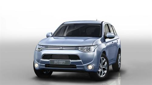 Mitsubishi Outlander PHEV 1 at Official: Mitsubishi Outlander PHEV