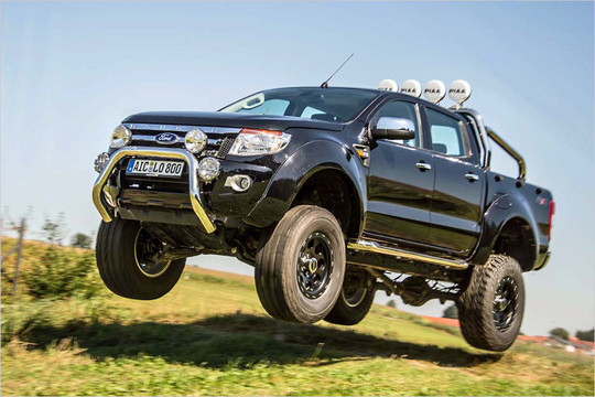 the old chassis is now dead the new one is now sold globally and looks like a hilux - Ford Ranger 2014 Lifted