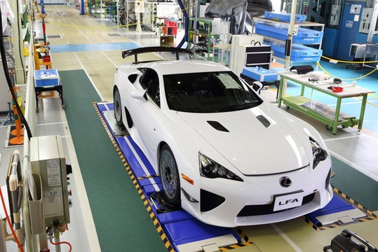 Last Lexus LFA 1 at Lexus Wraps Up Production of LFA Supercar