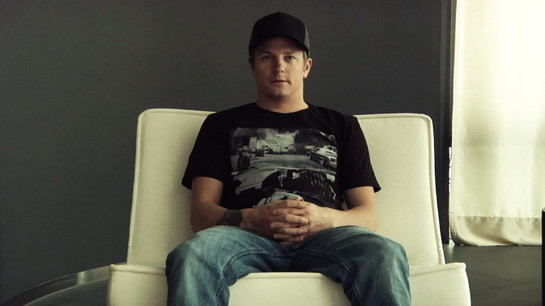 iceman xmas at Video: Kimi Raikkonen Struggles With His Christmas Message