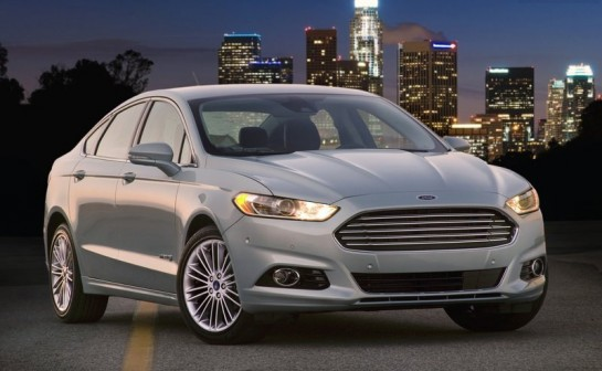 2013 Ford Fusion family 545x336 at 2013 Ford Fusion Family Gets Top NHTSA Rating