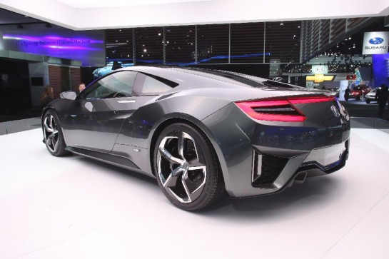 Acura NSX Unveiling 4 545x363 at NAIAS 2013: Acura NSX Unveiling Video