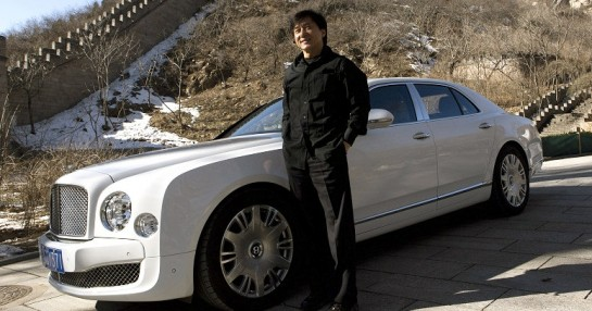 Bentley Mulsanne Jackie Chan Great Wall of China1 545x286 at Jackie Chan Stars in Bentley Mulsanne Visionaries Film