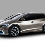 Honda Civic Tourer Concept 1 175x175 at Low emission Honda CR V launches in the UK