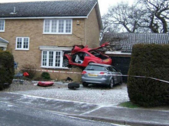 audi tt crash 545x408 at Audi TT Flies into a house in Suffolk