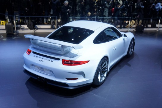 porsche 991 gt3 545x363 at 2014 Porsche 911 GT3 first driving footage   video