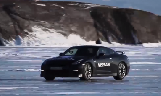 nissan gtr frozen lake run 545x327 at Stock Nissan GT R Hits 183 MPH on Ice   Video