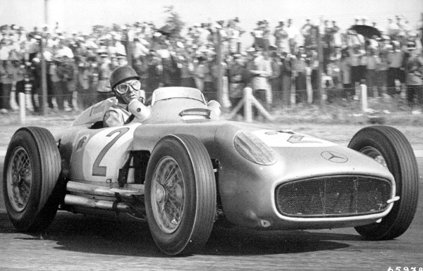 Juan Manuel Fangio 2 at Top 10 Formula One drivers with Highest Winning Percentage