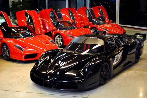 schumi enzo 1 600x400 at Michael Schumachers Ferrari Enzos Up For Grabs