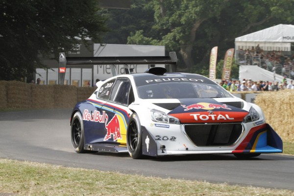 goodwood fos peugeot 208 t16 sets record. Black Bedroom Furniture Sets. Home Design Ideas