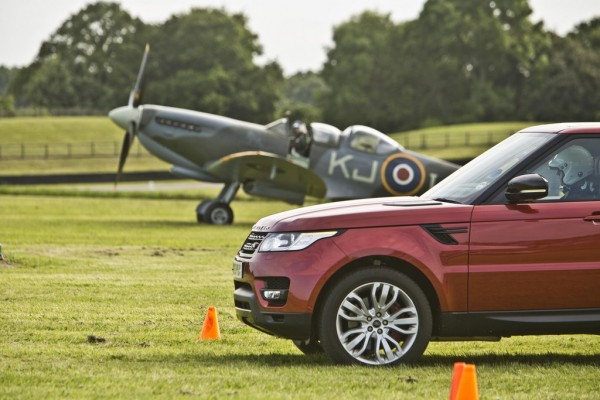Range Rover Sport vs The Spitfire 1 600x400 at English Civil War: Range Rover Sport vs The Spitfire