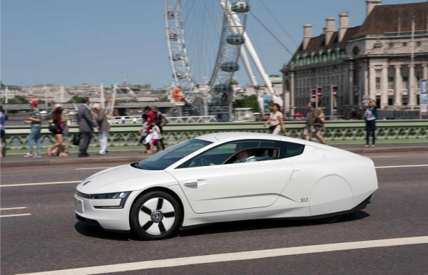 Volkswagen XL1 1 600x386 at 313 MPG Volkswagen XL1 Tours London