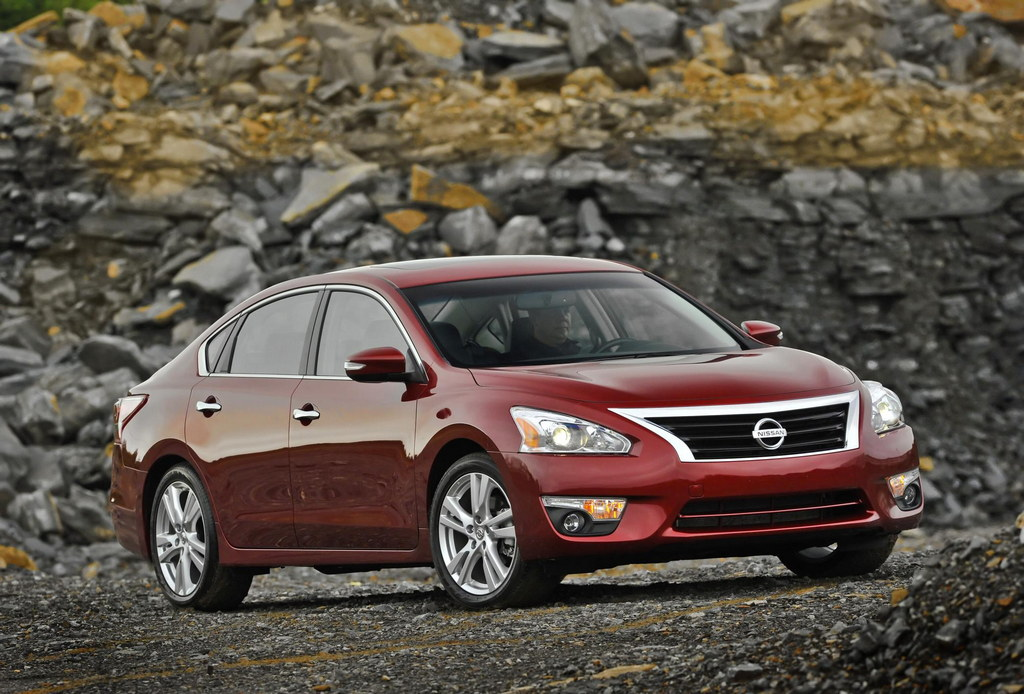 2014 nissan altima priced from 21 860. Black Bedroom Furniture Sets. Home Design Ideas