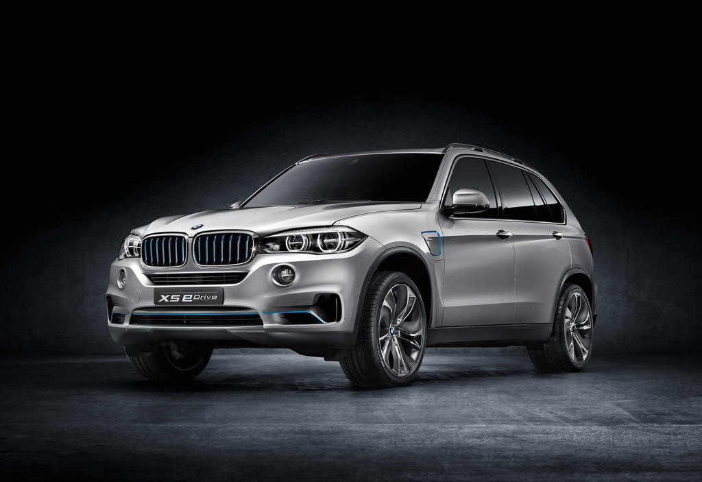 iaa preview bmw x5 plug in hybrid. Black Bedroom Furniture Sets. Home Design Ideas