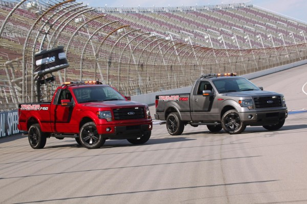 Ford F 150 Tremor Pace Car 1 600x400 at 2014 Ford F 150 Tremor To Pace NASCAR Trucks Race