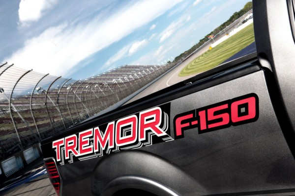Ford F 150 Tremor Pace Car 2 600x400 at 2014 Ford F 150 Tremor To Pace NASCAR Trucks Race