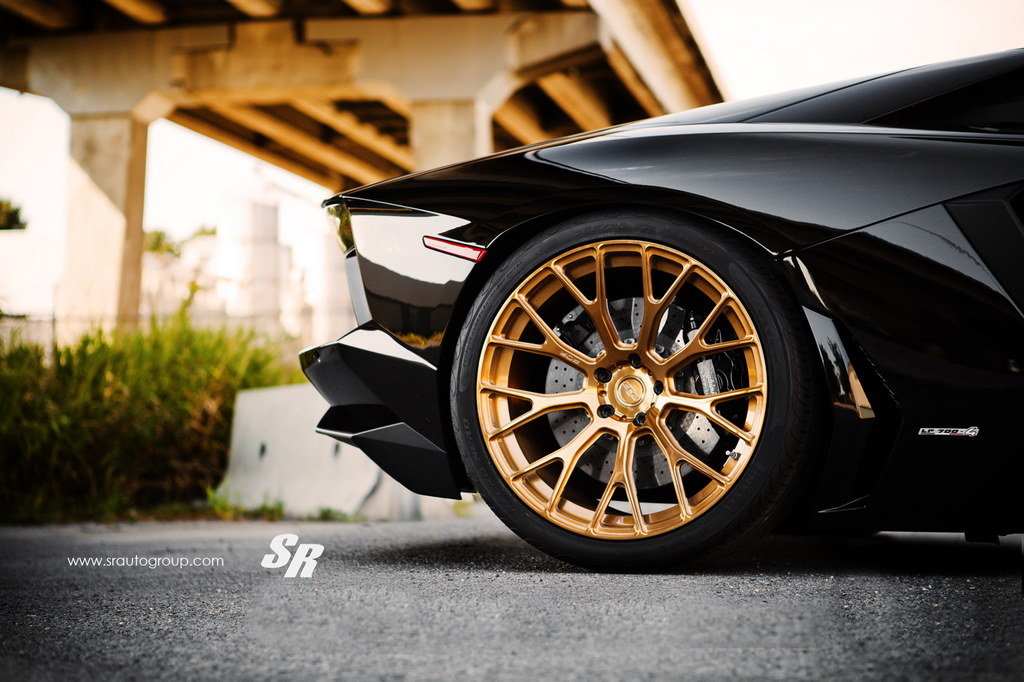 Perfection: Black Aventador On Gold PUR Wheels