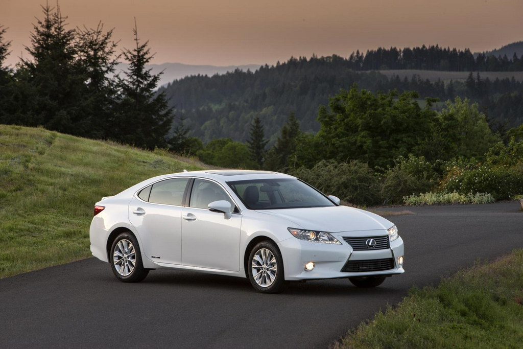 2014 lexus es 300h rated at 40 mpg. Black Bedroom Furniture Sets. Home Design Ideas