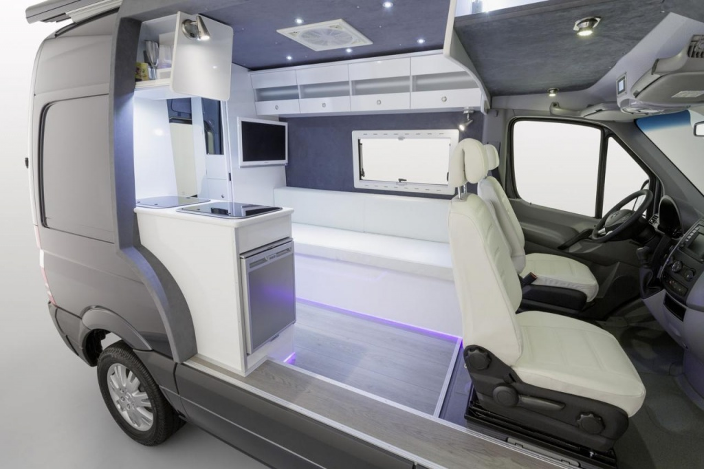 Mercedes sprinter caravan concept revealed for Mercedes benz van interior