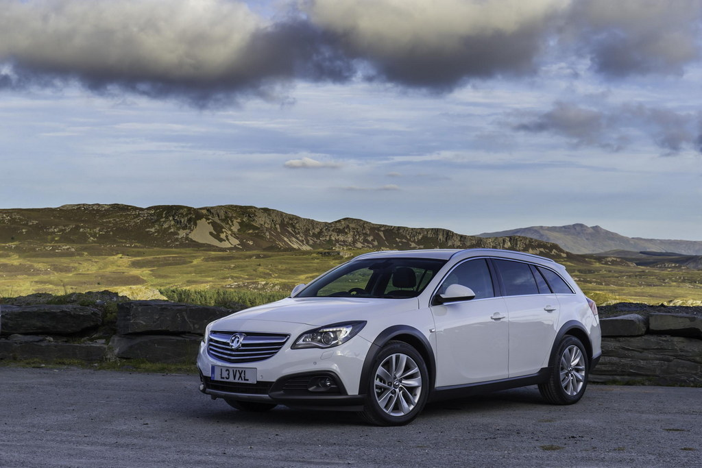 vauxhall insignia country tourer priced from 25 349. Black Bedroom Furniture Sets. Home Design Ideas