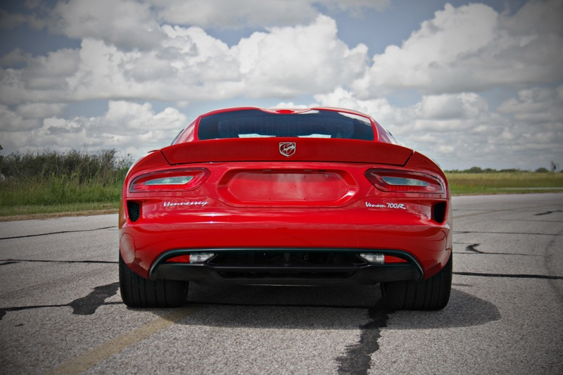 Hennessey SRT Viper GTS 700R in Action